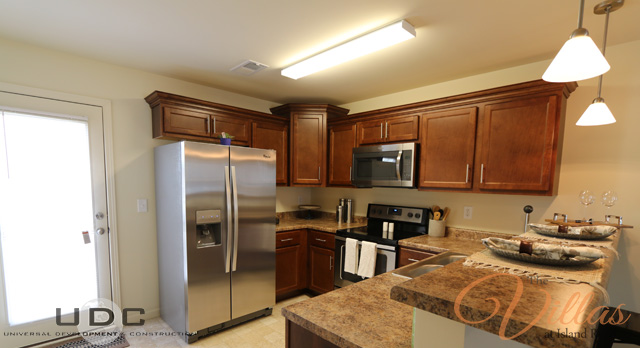 Upscale kitchens with Energy Star certified energy efficient stainless steel appliances