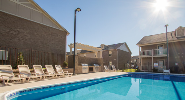 The Outdoor grill at the villas at river bend in kingsport apartments and townhomes for rent