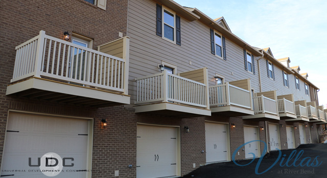 2 Bedroom townhome apartments with garages now for rent